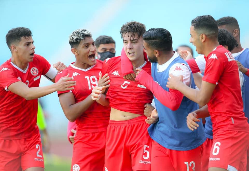 منتخب الأواسط  لكرة القدم يترشّح لنصف نهائي الكان